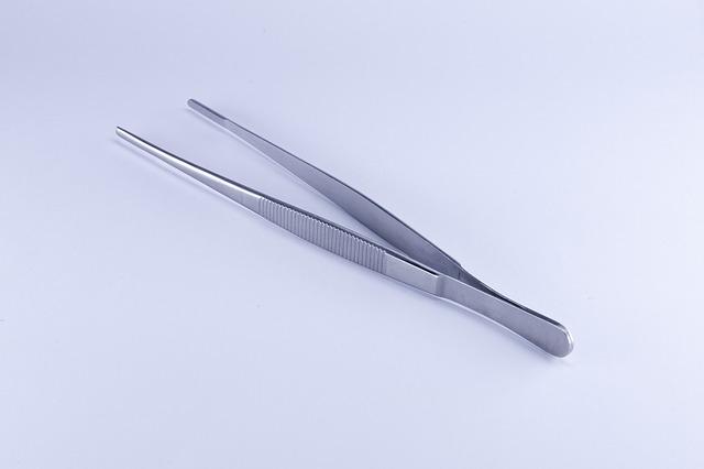 tweezers  for Your Medic Bag